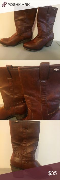 Rocket Dog Brown Cowboy Boots (Size 9) Rocket Dog Cowboy Boots, Size 9, in great condition!  Thanks for stopping by! New items being added the rest of this week ✔️   Check out the rest of my closet & bundle to save 💲💲💲   Open to reasonable offers 💰  All items come from a smoke-free home & are packaged with love & care 💕   Please comment with any questions/inquires ☺️ much love Rocket Dog Shoes Heeled Boots