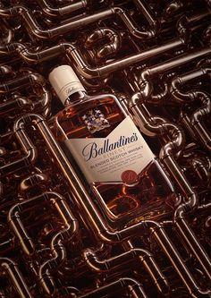 Personal project about Ballantines Flaschenpackshot - Advertising Design Ballantines Whisky, Wine Photography, Advertising Photography, Commercial Photography, Product Photography, Alcohol Bottles, Liquor Bottles, Creative Advertising, Advertising Design