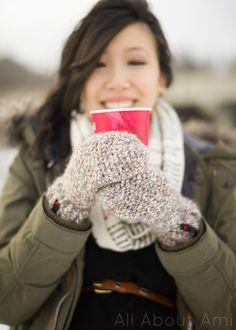 All bout Ami: Cozy Crochet Mittens - Free Pattern by Stephanie Jessica Lau. Chunky yarn.