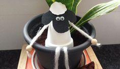 Määhähähähä! Aus einem Mini-Blumentopf Shaun das Schaf basteln
