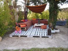 pallets deck in garden  with Terrace sofa Pallets Outdoor Lounge