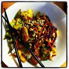Pad Tai Kung Pao Chicken, Ethnic Recipes, Food, Meal, Essen, Hoods, Meals, Eten
