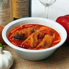 Bajai halászlé II. Recept képpel -   Mindmegette.hu - Receptek Hungarian Recipes, Goulash, Fish Dishes, Food 52, Thai Red Curry, Stew, Soup Recipes, Food And Drink, Favorite Recipes