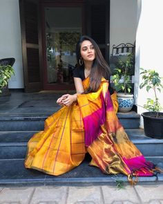 In yellow color checks saree and short sleeve blouse design Indian Silk Sarees, Indian Beauty Saree, Indian Designer Outfits, Indian Outfits, Indian Designers, Saree Poses, Saree Photoshoot, Indian Photoshoot, Saree Hairstyles