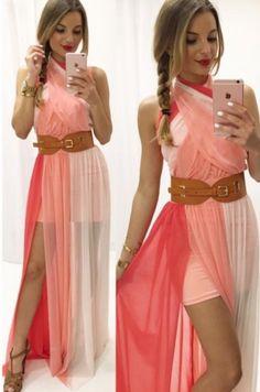 b09bf923e7 Dlhé viacfarebné spoločenské šaty, so širším elastickým pásom. Šaty majú  krátku spodnicu, ktorú