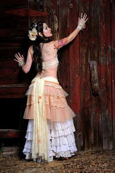 Pattern Fluffie Rufflie Pantaloon Bloomers Tribal Belly Dance Multi Sized Pattern.. i likey ;) by kirsten