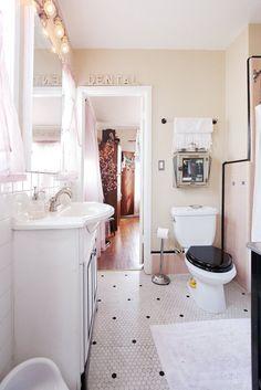 Jeremy & Kim's Cozy Deco Home — House Tour | Apartment Therapy