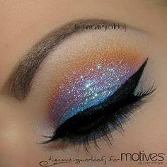 Colorful glitter eyeshadow @ theamazingworldofj