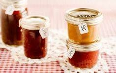 120 Recipes In Jars - Gifts in a Jar Recipes Homemade Potato Soup, Homemade Bbq, Salted Caramel Hot Chocolate, Homemade Hot Chocolate, Mason Jar Meals, Meals In A Jar, Jar Gifts, Food Gifts, Homemade Christmas Gifts Food