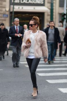 street style sunglasses and fur | athens_street_style_woman_leather_pants_fur_jacket