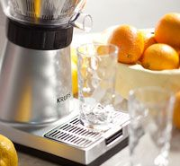 KRUPS ZX7000 Stainless Steel Electric Citrus Press with Manual and Automatic Settings, Silver - http://juicerreviews.cookingwithian.com/krups-zx7000-stainless-steel-electric-citrus-press-with-manual-and-automatic-settings-silver-2/