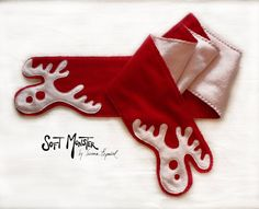 CRAZY REINDEER SCARF Special People, Reindeer, Clothing, Outfits, Outfit Posts, Kleding, Clothes, Outfit
