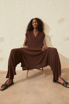 Knit Dress - Dark brown - Ladies   H&M CA Ribbed Knit Dress, Knit Sweater Dress, Calf Length Dress, Brown Dress, Fashion Company, Flare Skirt, Straight Cut, Light Beige, Everyday Fashion