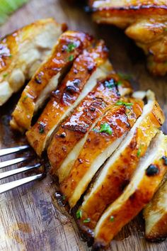 Honey Lime Chicken - crazy delicious chicken with honey lime. The BEST chicken that you can make for your family, takes only 20 mins! I made this last night and it was Delicious! Lime Chicken Recipes, Honey Lime Chicken, Recipe Chicken, Easy Delicious Recipes, Yummy Food, Healthy Recipes, Asian Recipes, Honey Recipes, Healthy Food