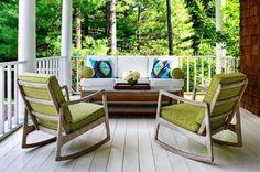 Conexão Décor www.conexaodecor.com Cadeiras de balanço na decoração  para você relaxar , no blog da Conexão Décor