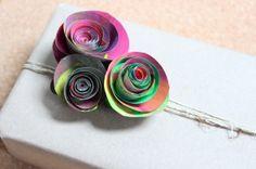Rosas en papel periódico | Blog de BabyCenter por @CarlinaLlinas