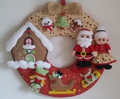 Felt Christmas, Christmas Projects, Christmas Themes, Christmas Stockings, Christmas Wreaths, Christmas Ornaments, Felt Banner, Xmas Decorations, Diy Crafts To Sell