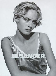 jil sander campaign Amber Valletta by Peter Lindbergh for Jil Sander S/S 1994 ad campaign. Amber Valletta, Peter Lindbergh, Jil Sander, Vogue Uk, Editorial Photography, Fashion Photography, Logos Retro, Mode Editorials, Portraits