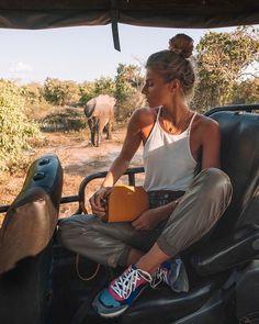 Check My IG TV For Outfit Inspo – travel outfit summer Safari Chic, Moda Safari, Safari Outfit Women, Safari Outfits, Valentine's Day Outfit, Outfit Of The Day, Outfit Ideas, Sri Lanka, Minimalist Fashion Summer