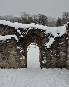 Abbey Ruins in England England Winter, England Uk, Snowy Forest, Art Images, Fantasy, Seasons, Photo And Video, Landscape, Doorway