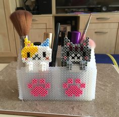 Perler beads make up holder and 3D cute cats by Szilvi