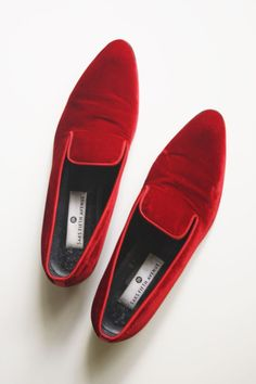 23bfc783c66 Vintage 90s SAKS FIFTH AVENUE RED VELVET LOAFERS 9.5 Velour Slip On Italian  Shoe