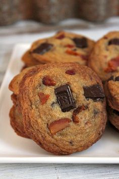 Recipe for Bourbon- Bacon Chocolate Chunk Cookies using Maker's Mark Whisky. Cookie Desserts, Just Desserts, Cookie Recipes, Delicious Desserts, Dessert Recipes, Yummy Food, Fun Food, Healthy Food, Bacon Chocolate Chip Cookies