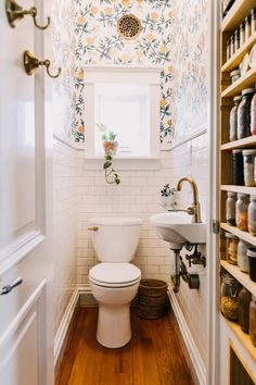 classic white subway tile with classy wallpaper power room design small powder room design Tiny Powder Rooms, Deco Cool, Magazine Deco, Downstairs Loo, Bathroom Interior, Bathroom Ideas, Budget Bathroom, Bathroom Small, Bathroom Yellow