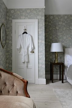 Home Decor 2019 Dream Bedroom, Home Bedroom, Bedroom Decor, Beautiful Interior Design, Classic Interior, Sr1, Cottage Kitchens, Bedroom Vintage, Decorating Small Spaces