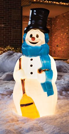 Create the ultimate outdoor Christmas display with this Snowman Blow Mold. Made from durable polyethylene, this delightful decoration can be used indoors or outdoors. Vintage Christmas Cards, Retro Christmas, Vintage Holiday, Christmas And New Year, Christmas Time, Christmas Ideas, Xmas, Outside Christmas Decorations, Snowman Decorations