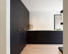 Modern Home Decor Kitchen – South Coast Home Decor Home Decor Kitchen, Kitchen Interior, Black Kitchens, Home Kitchens, Pastel Room, Cheap Home Decor, Interiores Design, New Homes, Modern Interior Design