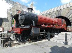 Hogwarts Express at Harry Potter Wizarding World, Universal Studios - Orlando, FL Orlando Florida, Florida Theme Parks, Orlando Theme Parks, Universal Studios Florida, Universal Parks, Orlando Travel, Orlando Vacation, Florida Vacation, Parque Universal