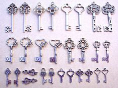 Hey, I found this really awesome Etsy listing at https://www.etsy.com/listing/200579791/42-silver-skeleton-keys-new-gothic