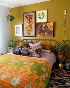 Bohemian Bedroom Decor and Bed Design Ideas Bohemian Bedroom D … Bohemian Interior, Bohemian Decor, Bohemian Homes, Bohemian Style, Interior Decorating, Interior Design, Interior Wall Colors, Dream Rooms, Home Bedroom