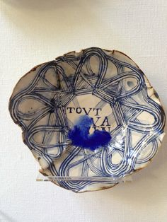 TOUT VA BIEN  ruanhoffmann.com Serving Bowls, Decorative Bowls, Objects, Plates, Tableware, Home Decor, Everything, Licence Plates, Dishes
