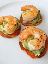 GRILLED SHRIMP  GUACAMOLE ON SWEET POTATO CHIPS