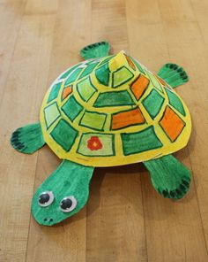 Turtle Craft made from ordinary household things and you can also put a gift inside the shell. Cute!