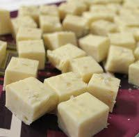 easy white chocolate fudge (in the microwave)