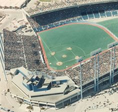 Exhibition Stadium -- First Home of the Blue Jays - 1977 to 1989 Shea Stadium, Yankee Stadium, Sports Stadium, Stadium Tour, Baseball Park, Pro Baseball, Baseball Stuff, Football, Mlb Stadiums