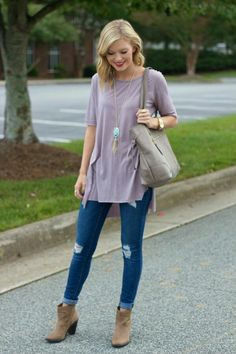 Brown ankle boots outfit. Lavender  tunic. Light purple tunic. Fall outfit