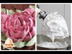 Gelingsicheres Eiweißcreme Rezept für Blumen spritzen. Mit Eiweißcreme Torten dekorieren. So gelingen schöne Blumen aus Creme