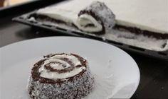 Divan i lagan kolac .toliko je dobar da se topi u ustima ! Cupcake Cakes, Cupcakes, Dessert Recipes, Desserts, Pesto, Gluten Free, Sweets, Skin Tag, Food