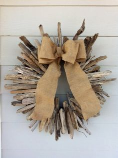 driftwood wreath, burlap bow