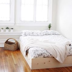 A minimal bed frame to hide that box spring! And it only takes ten minutes to put together! #ontheblog today!
