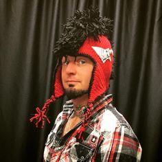 """Got myself a brand new custom ""Hook Hawk Hat"" thanks @kateallen1225fdp you rule!!  #BestFansEver #BestTourEver #GotYourSixTour  #PapaRoach #InThisMoment…"""