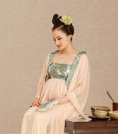 http://www.china-cart.com/d.asp?a=Traditional+Ancient+Chinese+Tang+Dynasty+Pregant+Couple+Outfits+Costumes&d=27666