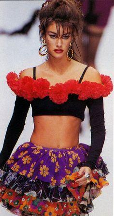 Complice 1992 90s Fashion, Runway Fashion, High Fashion, Dolce & Gabbana, Susan Holmes, Fashion Magazine Cover, Editorial Fashion, Glamour, My Style