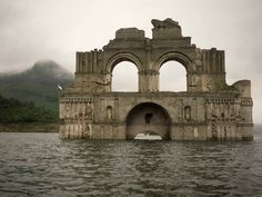TRAVEL INSPIRATIONECO & ADVENTURE This Gorgeous 16th-Century Church Was at the Bottom of a Mexican Reservoir