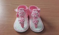 Crochet Bebe, Craft Items, Flip Flops, Baby Shoes, Knitting, Baby Ideas, Crafts, Fashion, Knitted Baby Booties