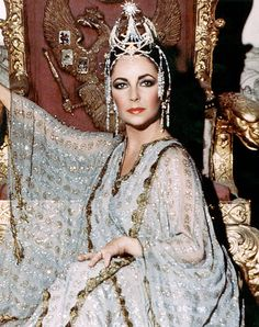 Liz Taylor in The Blue Bird by photographer Milton H. Greene ~ 1976 Liz Taylor in The Blue Bird by photographer Milton H. Elizabeth Taylor Jewelry, Elizabeth Taylor Cleopatra, Vintage Hollywood, Hollywood Glamour, Hollywood Actresses, Divas, Queen Cleopatra, Scarlett O'hara, Violet Eyes